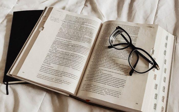 Chọn những cuốn sách hay để có thói quen đọc sách