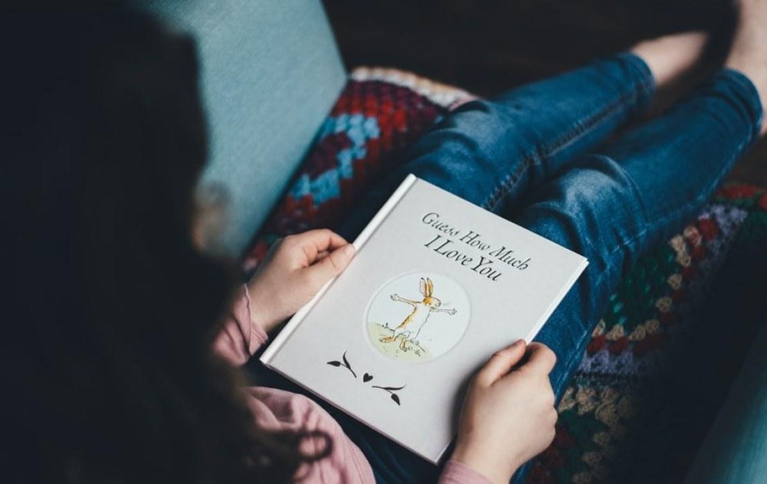 5 mẹo nhỏ giúp trẻ hình thành thói quen đọc sách