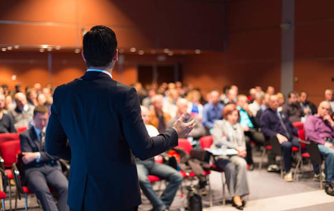 Bí quyết tổ chức buổi họp báo thành công
